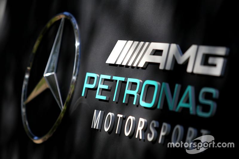 Mercedes AMG F1: Logo