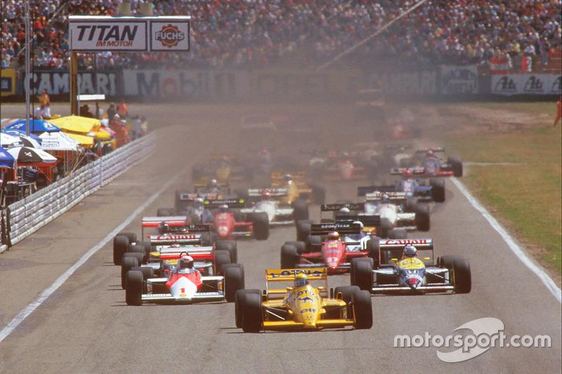 Inicio: Ayrton Senna, Team Lotus Honda 99T líder