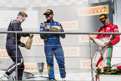Podio: ganador de la carrera Charles Leclerc, PREMA Powerteam, segundo lugar Artem Markelov, RUSSIAN