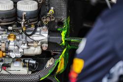 Aero-pintura en detalle frontal de chasis y suspensión de Red Bull Racing RB13