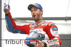 Podio: tercero clasificado, Andrea Dovizioso, Ducati Team