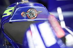 Maverick Viñales, Yamaha Factory Racing, logo