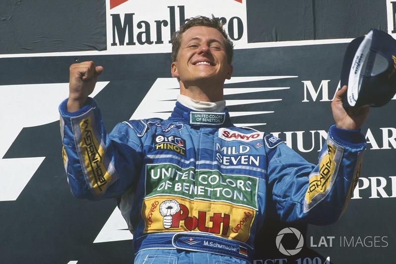 Podyum: Yarış galibi Michael Schumacher, Benetton B194 Ford
