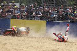 MotoGP 2017 Motogp-french-gp-2017-marc-marquez-repsol-honda-team-crash