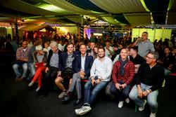 #77 Callaway Competition, Corvette C7 GT3-R: Jules Gounon, Jean-Marc Gounon mit dem Team