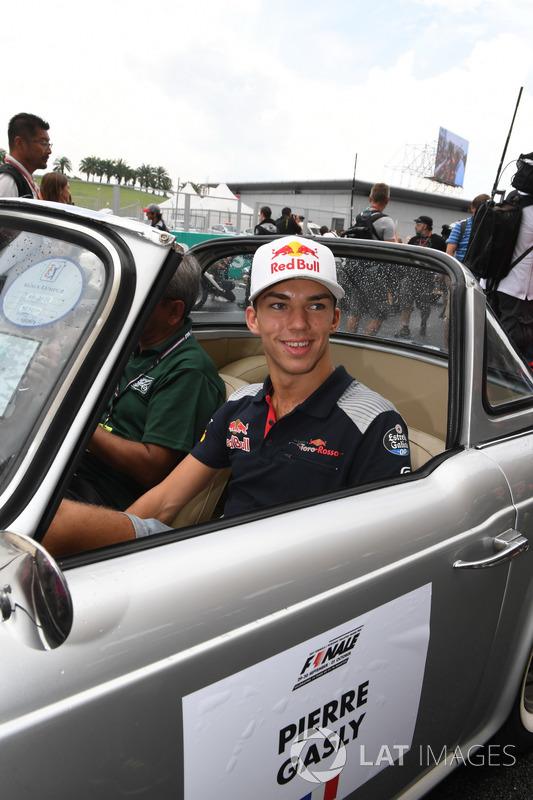 П'єр Гаслі, Scuderia Toro Rosso на параді пілотів
