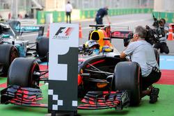 Ganador de la carrera Daniel Ricciardo, Red Bull Racing RB13