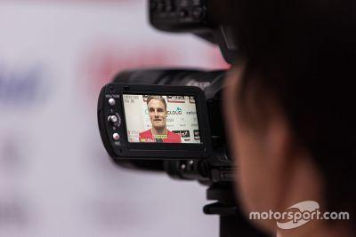 Davies en Melandri bezoeken Ducati-fabriek