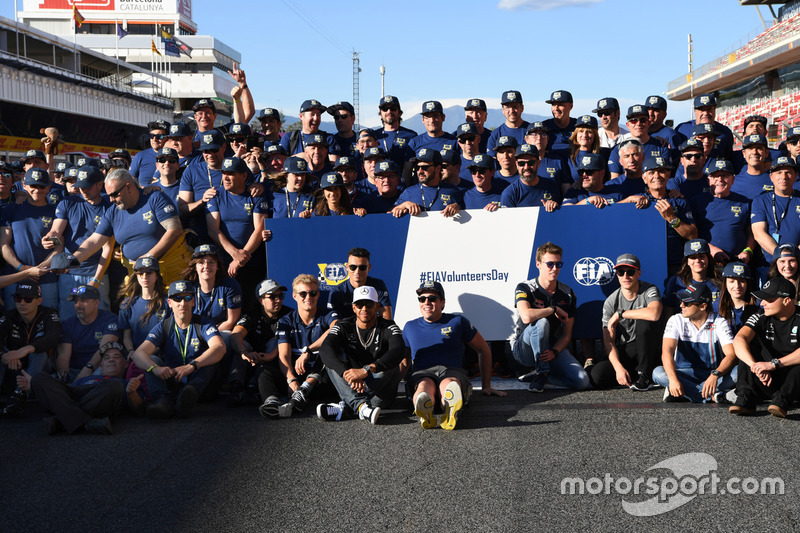 Lewis Hamilton, Mercedes AMG F1, F1 drivers and FIA Volunteers