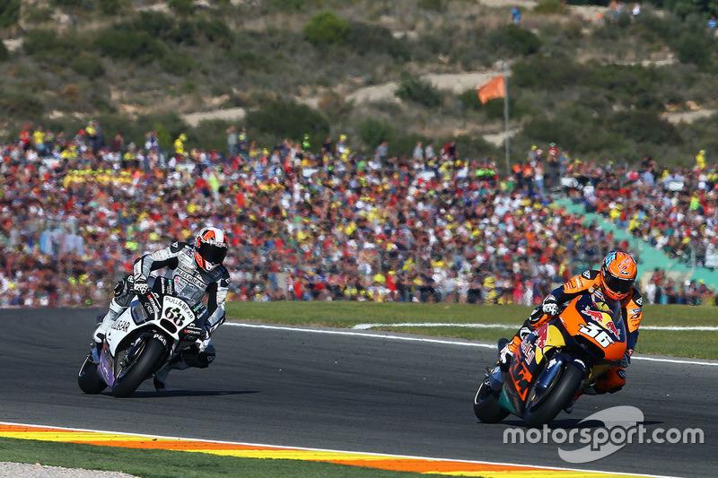 Mika Kallio, Red Bull KTM Factory Racing; Yonny Hernandez, Aspar Racing Team