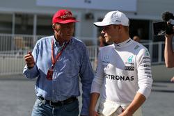 Niki Lauda, Mercedes AMG F1 Non-Executive Chairman, Valtteri Bottas, Mercedes AMG F1