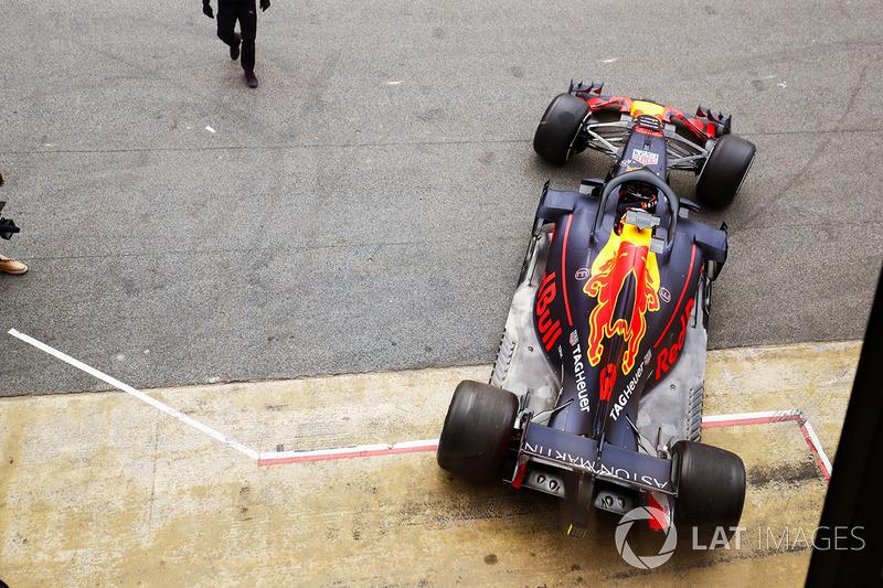 [Imagen: f1-barcelona-february-testing-2018-danie...g-rb14.jpg]