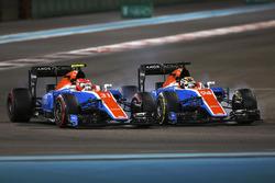 Esteban Ocon, Manor MRT05 à la lutte avec Pascal Wehrlein, Manor MRT05