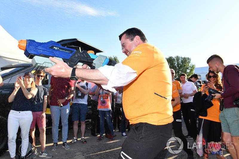 Гонки на плотах: гоночный директор McLaren Эрик Булье