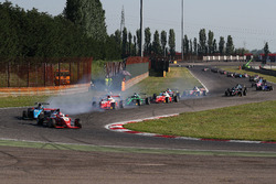 Enzo Fittipaldi, Prema Theodore Racing al comando alla partenza