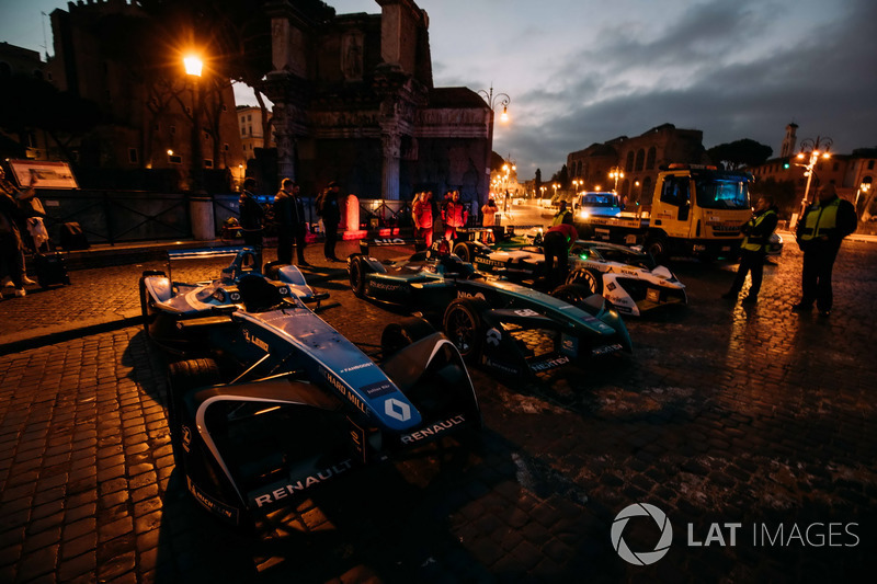 Coches de Sébastien Buemi, Renault e.Dams, Nelson Piquet Jr., Jaguar Racing, Lucas di Grassi, Audi Sport ABT Schaeffler