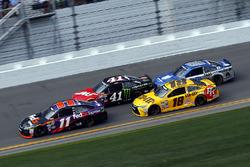 Kyle Busch, Joe Gibbs Racing Toyota, Dale Earnhardt Jr., Hendrick Motorsports Chevrolet, Denny Hamlin, Joe Gibbs Racing Toyota, Kurt Busch, Stewart-Haas Racing Chevrolet