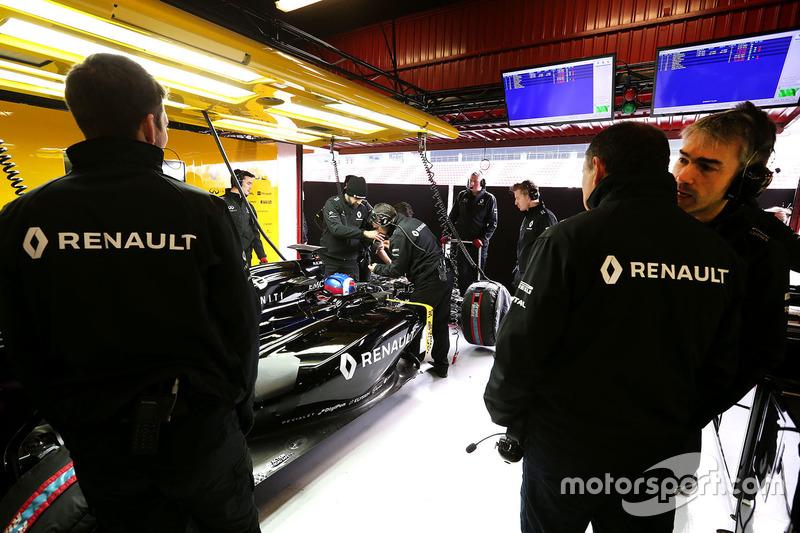 Nick Chester, Renault Sport F1 Team, Technischer Direktor, mit Frederic Vasseur, Renault Sport F1 Team, Renndirektor