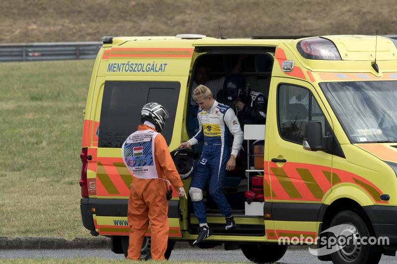 Marcus Ericsson, Sauber after crash