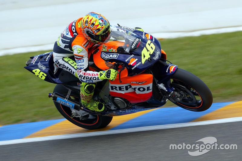 2002 - Inicio de la era de MotoGP y entrada en el Repsol Honda