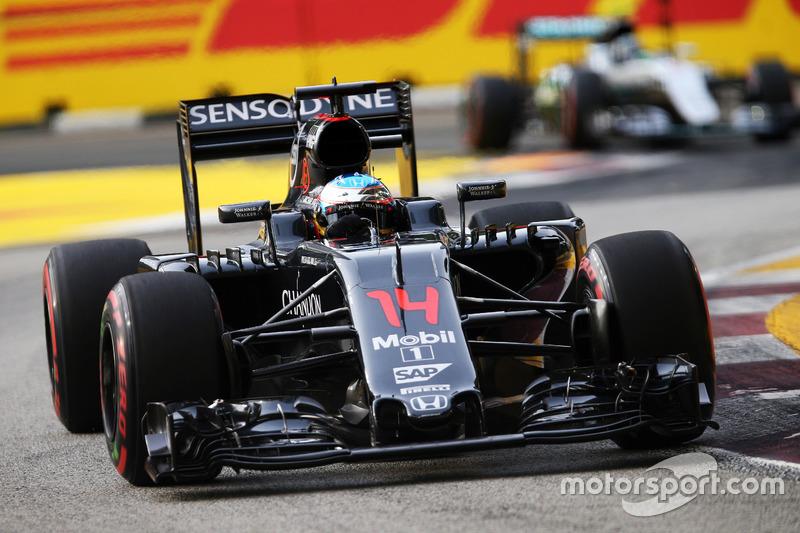 9º: Fernando Alonso, McLaren MP4-31