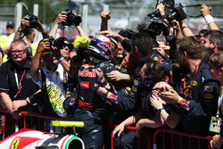 Race winner Max Verstappen, Red Bull Racing celebrates in parc ferme with the team