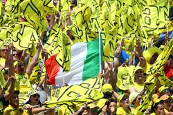 Valentino Rossi, Yamaha Factory Racing fans
