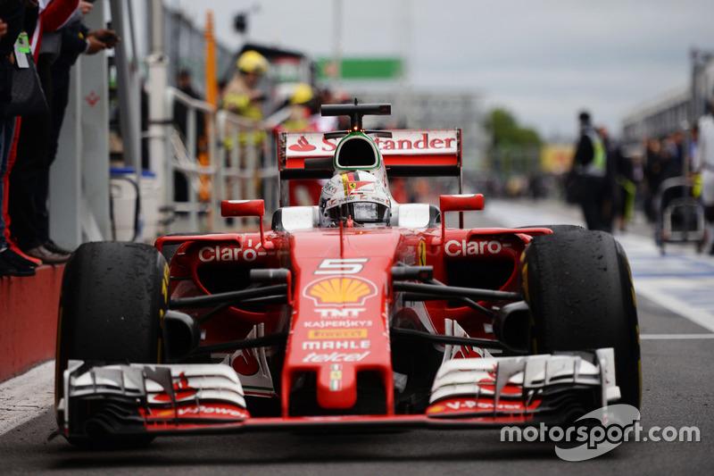 Себастьян Феттель, Ferrari SF16-H заїжджає в закритий парк