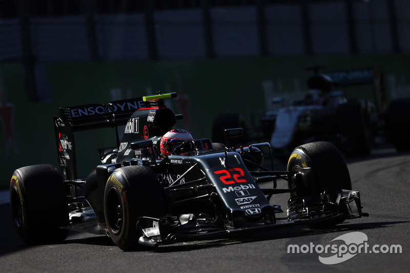 13: Дженсон Баттон, McLaren MP4-31