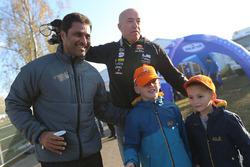Нассер Аль-Аттия, Overdrive Racing и Том Коронель