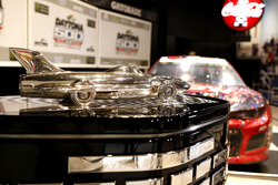 Auto von Austin Dillon, Richard Childress Racing Chevrolet Camaro, und die Harley J. Earl Trophy