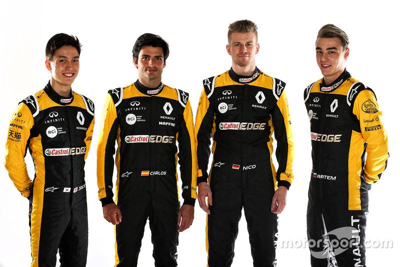 Carlos Sainz Jr., Nico Hulkenberg, Renault Sport F1 Team, Jack Aitken, tester e pilota di riserva Renault Sport F1 Team RS18, Artem Markelov, tester e Development Driver Renault Sport F1 Team