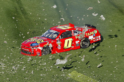 Garrett Smithley, JD Motorsports, Flex Tape Chevrolet Camaro crashes