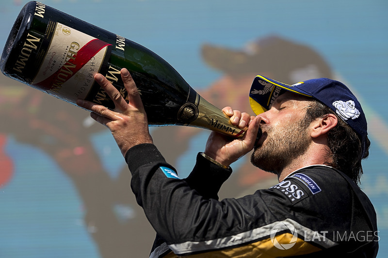 Jean-Eric Vergne, Techeetah, drinks champagne on the podium