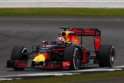 Пьер Гасли, Red Bull Racing RB12