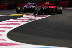 Серхіо Перес, Force India VJM11, Себастьян Феттель, Ferrari SF71H