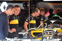 Cyril Abiteboul, Renault Sport F1 Managing Director in the garage