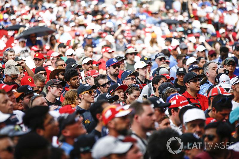 Enorme multitud se congregó en el escenario de la F1