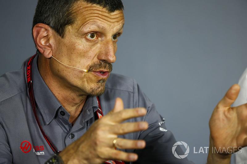 Guenther Steiner, Director del equipo, Haas F1, en la conferencia de prensa de los directores del equipo