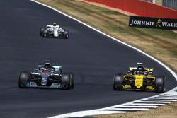 Lewis Hamilton, Mercedes-AMG F1 W09 and Nico Hulkenberg, Renault Sport F1 Team R.S. 18