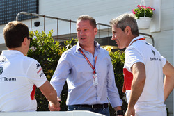 Xevi Pujolar, Sauber Head of Track Engineering and Jos Verstappen