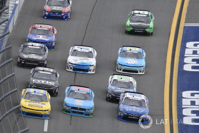 Matt Tifft, Joe Gibbs Racing Toyota, Casey Mears, Biagi-DenBeste Racing Ford, Brandon Jones, Richard Childress Racing Chevrolet