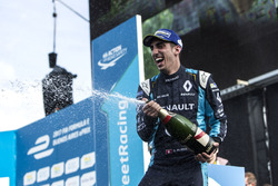 El ganador de la carrera, Sébastien Buemi, Renault e.Dams