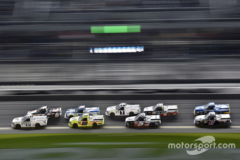 Timothy Peters, Red Horse Racing, Toyota; Matt Crafton, ThorSport Racing, Toyota
