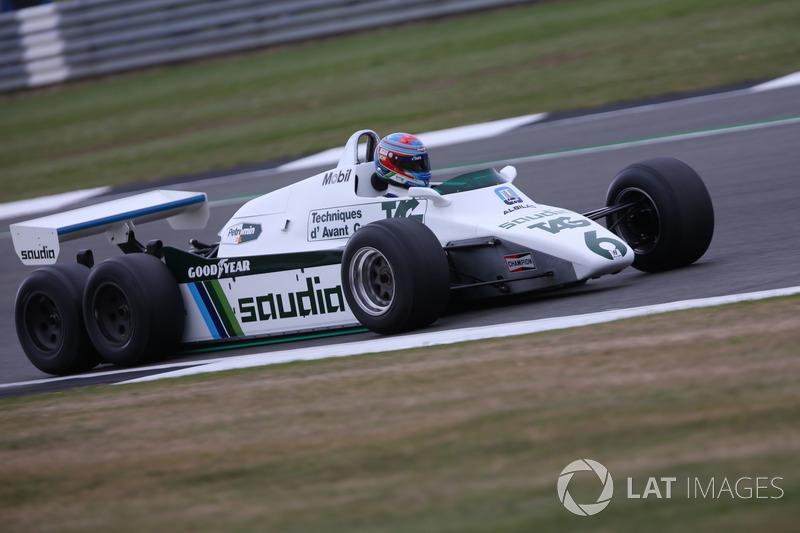 Paul di Resta,en el Williams FW08B Cosworth 1982 de 6 ruedas coche de F1