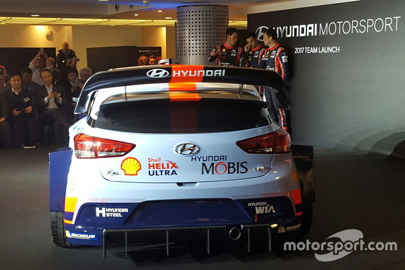 Hayden Paddon, Daniel Sordo y Thierry Neuville, Hyundai Motorsport revelan el Hyundai i20 Coupe WRC de 2017