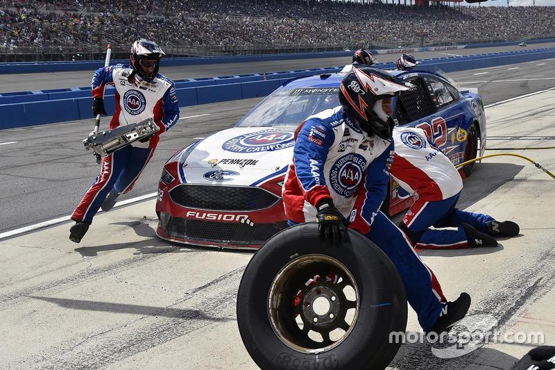 Joey Logano, Team Penske,Ford