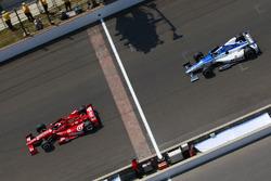 Dario Franchitti, Chip Ganassi Racing; Takuma Sato, Rahal Letterman Lanigan Racing