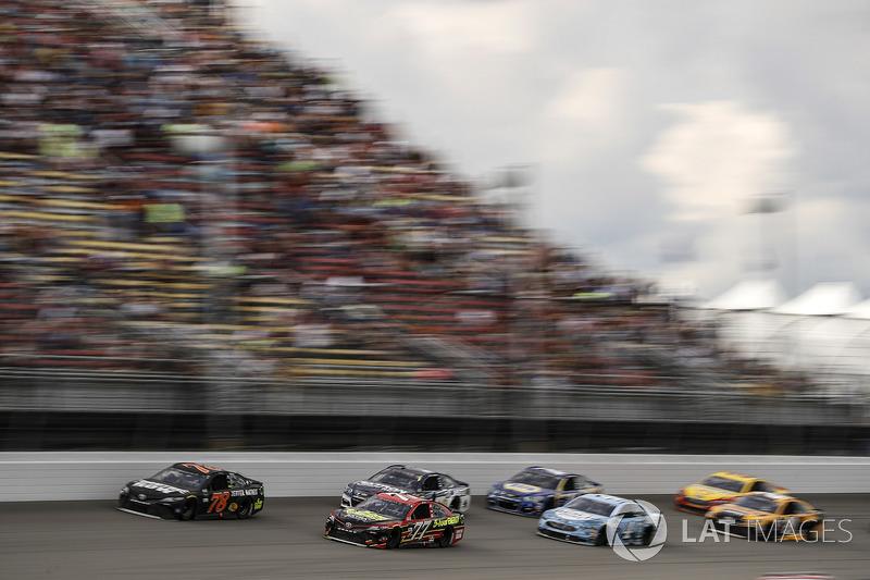 Martin Truex Jr., Furniture Row Racing Toyota, Erik Jones, Furniture Row Racing Toyota