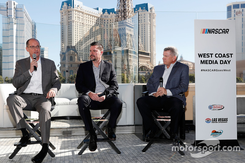 West Coast Media-Day in Las Vegas: Bryan Sperber, Streckenchef, Phoenix; Dave Allen, Streckenchef Fontana; Chris Powell, Streckenchef Las Vegas